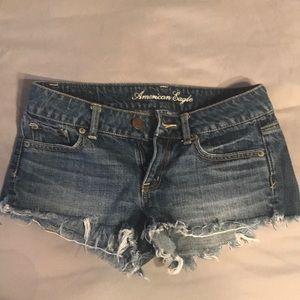 Frayed edge denim shorts